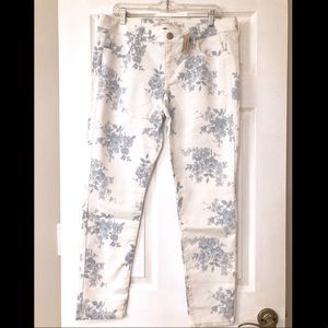 White Floral Jeggings